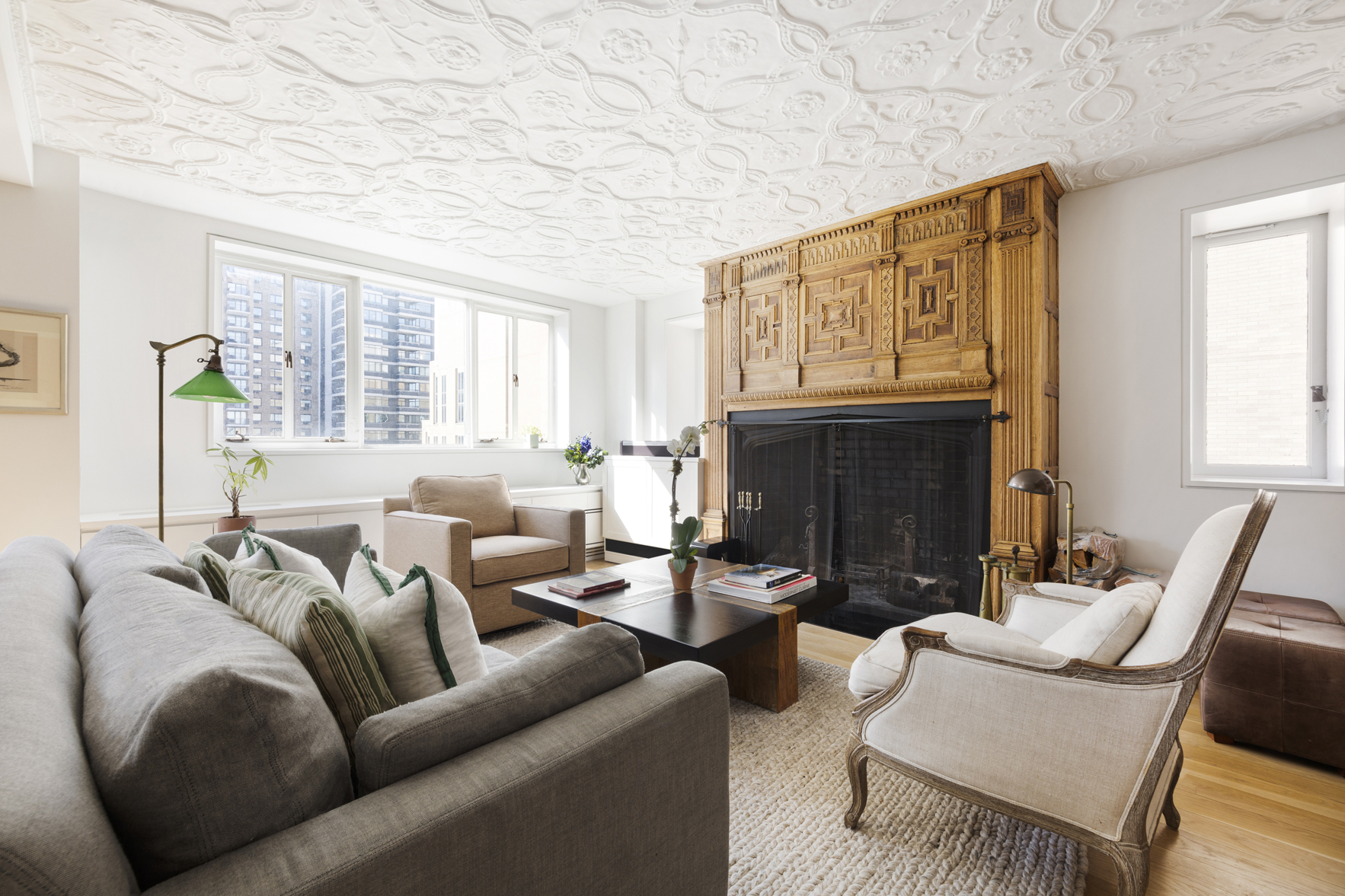 living room at 1 West 67th Street, 914