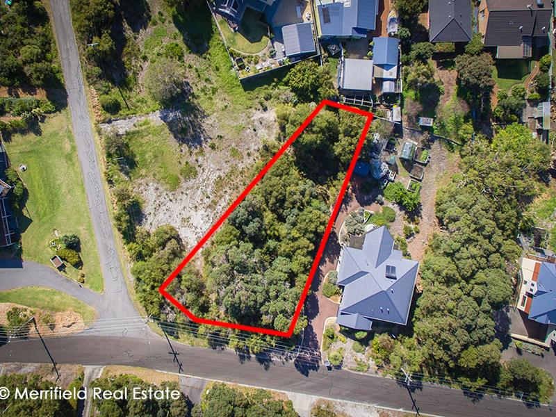 12 Karrakatta Road, GOODE BEACH