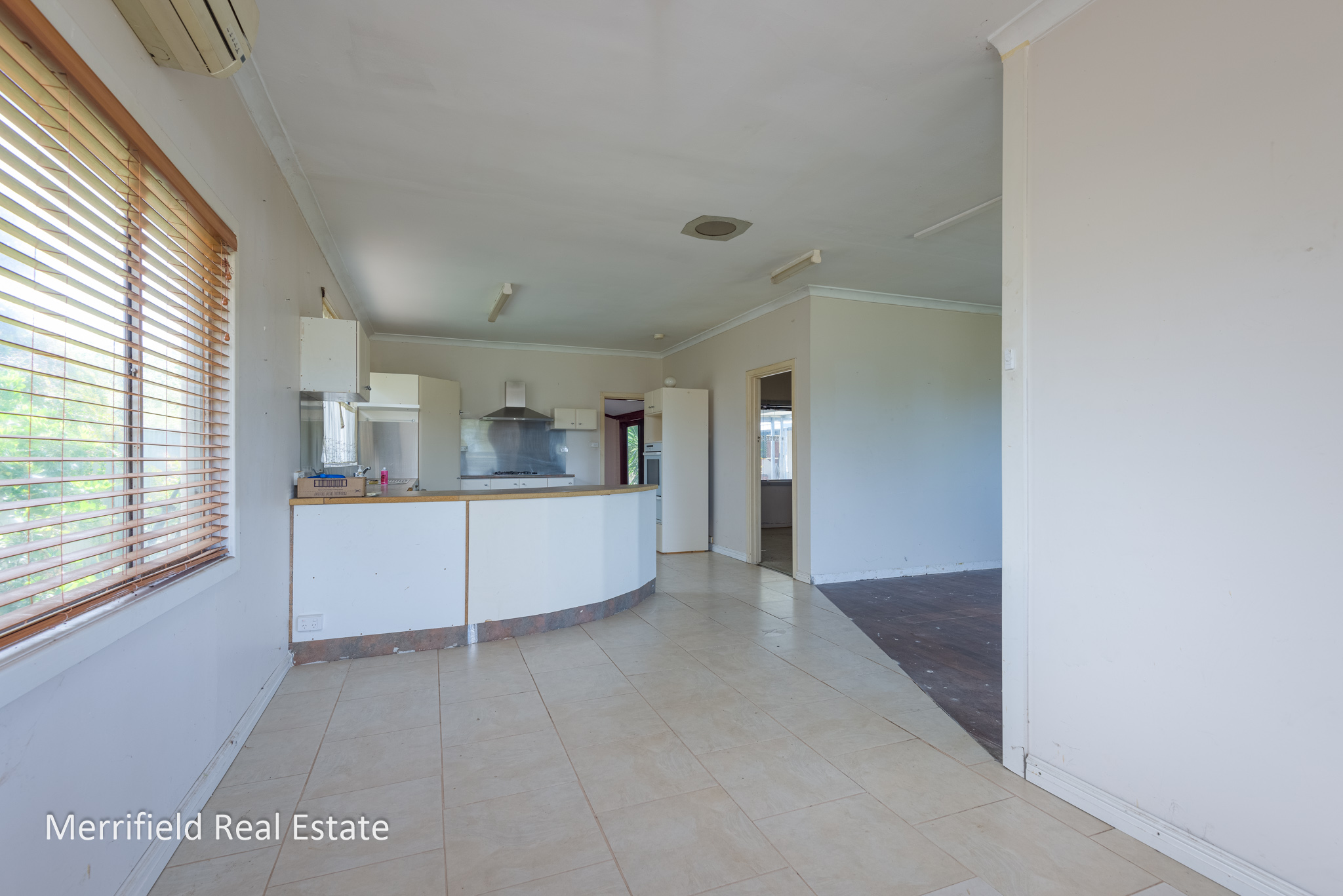 3 Bromley Court, Lower King
