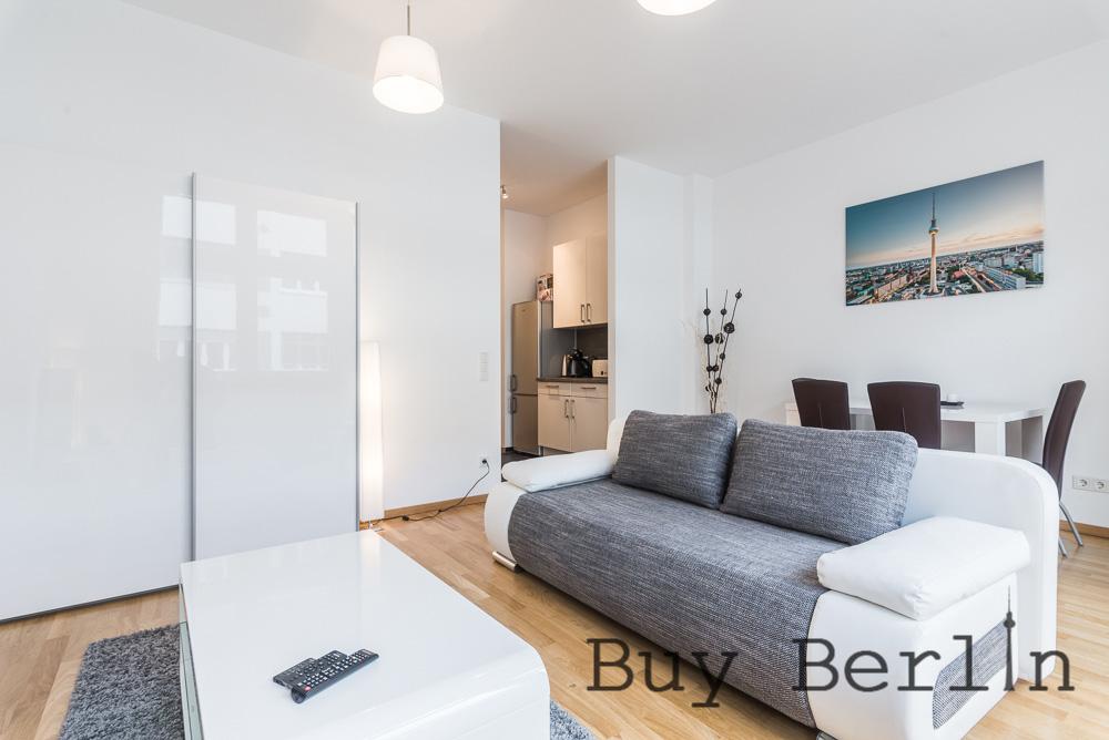 Sunny Studio Prenzlauer Berg With French Balcony
