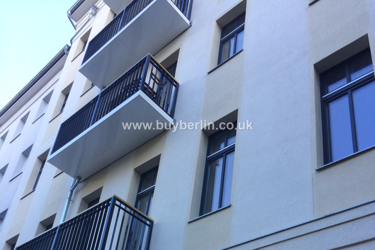 1 Bed Modern Apartment Best Location