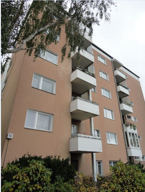 Vacant 1 Bedroom Apartment with Balcony near to City Center