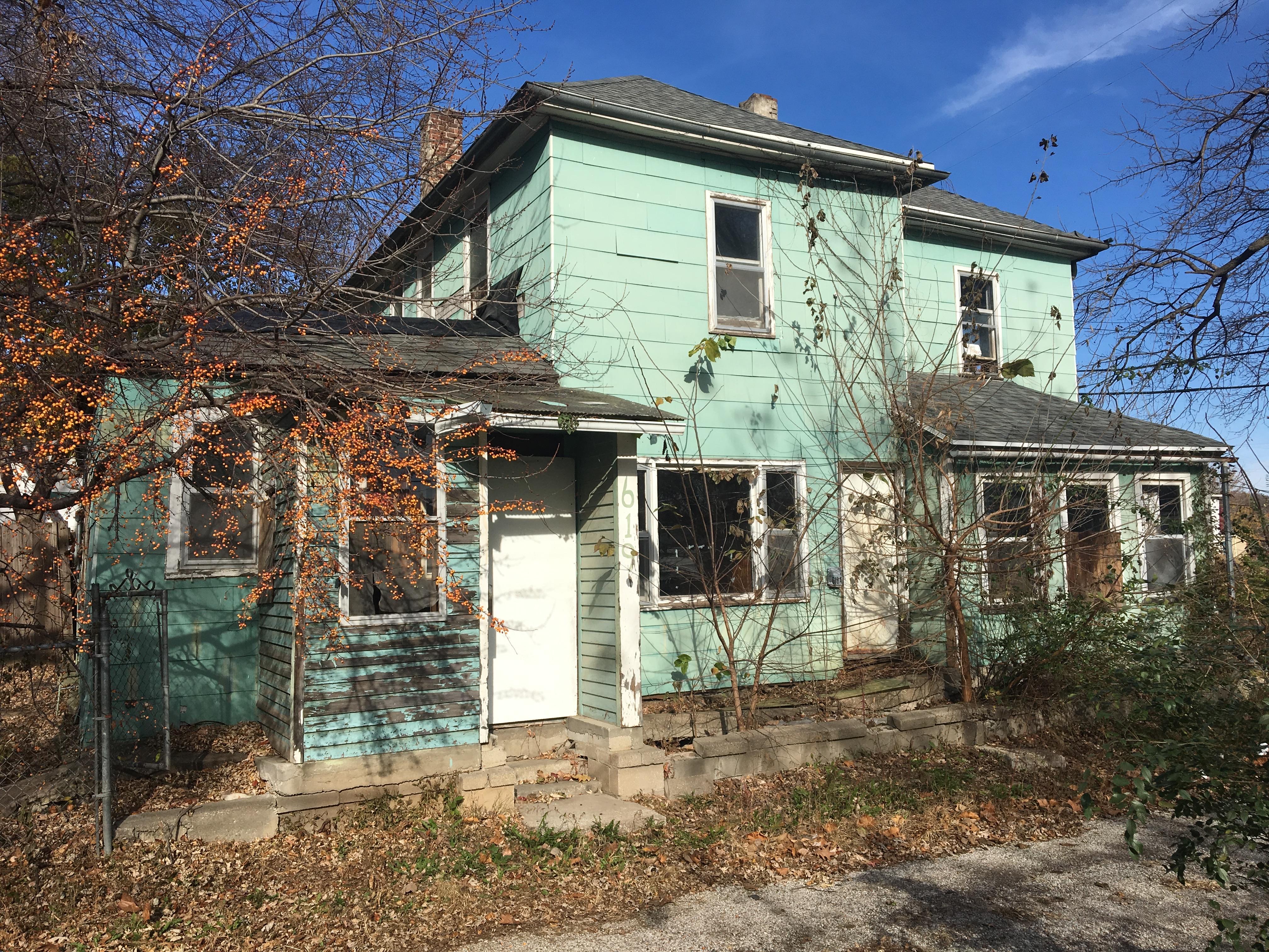 619 E Highland Ave