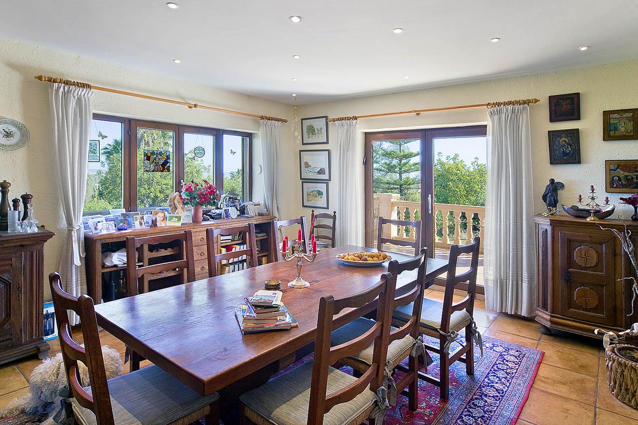 immobilien mallorca establiments villa im landhausstil. Black Bedroom Furniture Sets. Home Design Ideas