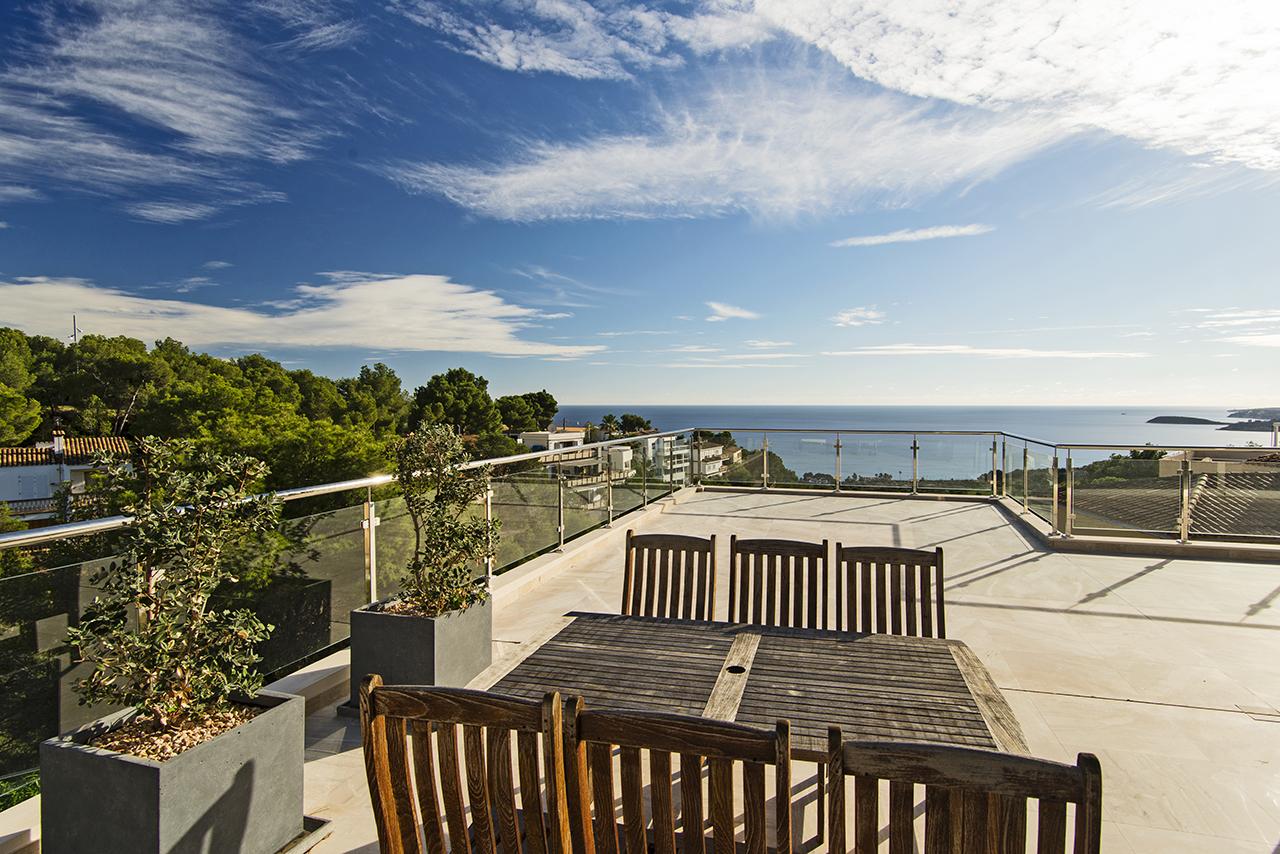 mallorca villen moderne villa in costa d 39 en blanes. Black Bedroom Furniture Sets. Home Design Ideas
