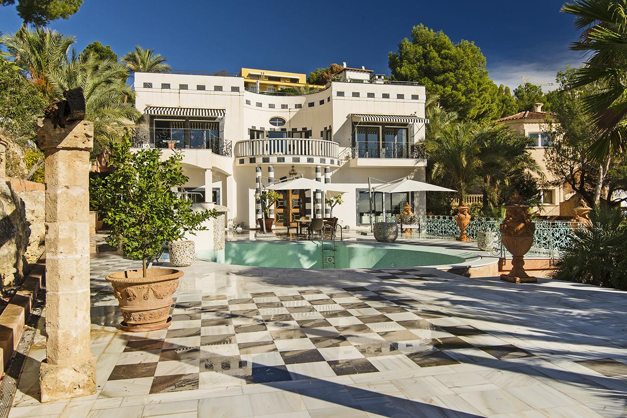 villa mallorca aussergew hnliche lichtdurchflutete. Black Bedroom Furniture Sets. Home Design Ideas