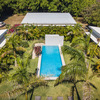 - Seahorse Bed and Breakfast on Lushly Landscaped Estate