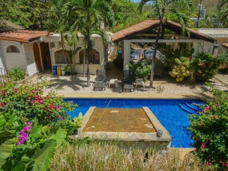 - Hotel Flores Ten Unit Boutique Hotel and Cafe in Tamarindo