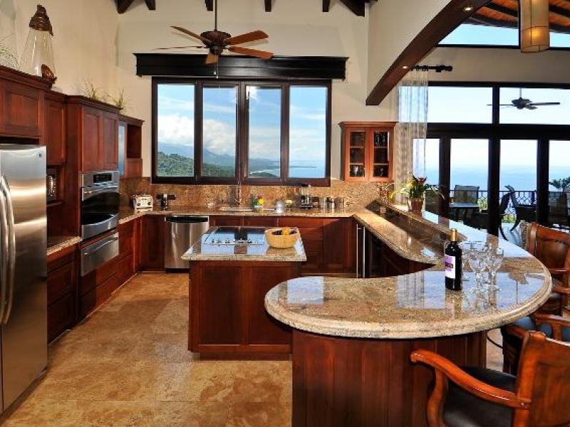 - 5 BR Luxury Big Sur Estate
