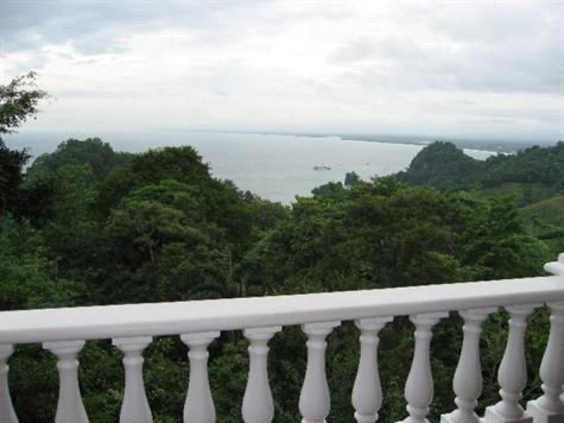 - Ocean View Luxury Condo in Manuel Antonio