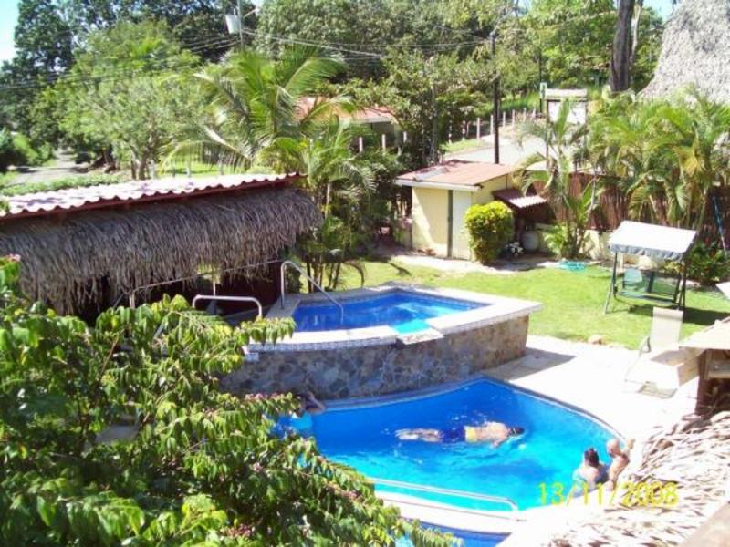 - Elegant Carrillo Hotel - Walk to the Beach and Recently Remodeled
