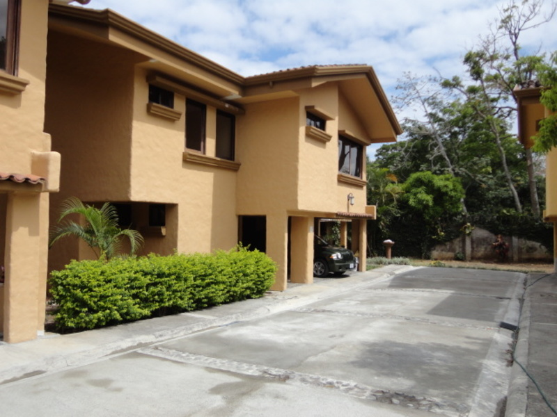 Single Family Home In Small Gated Community With Pool For