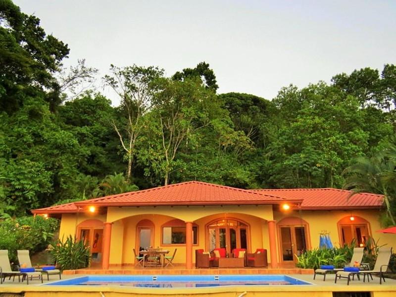Casa Mariposa 4 BR Ojochal