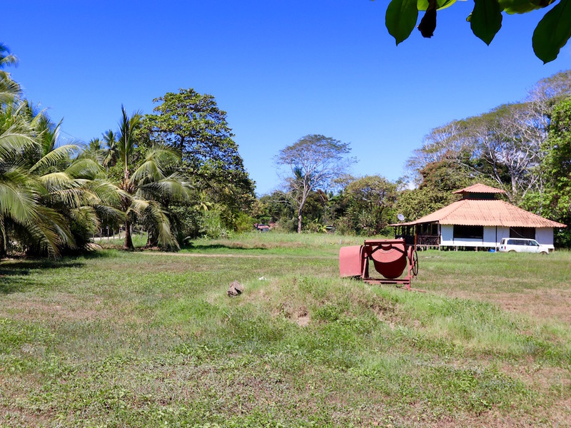 - Dominical Beach Front Concession Property Heart of Dominical Town