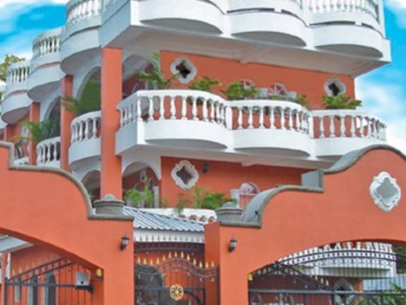 - French Style Hotel In Quepos