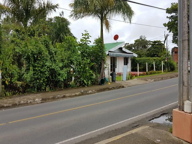 - Commercial Lot Manuel Antonio Road Front