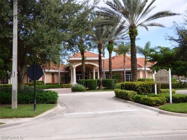 5511 Cheshire Dr Apt 104 Fort Myers FL 33912