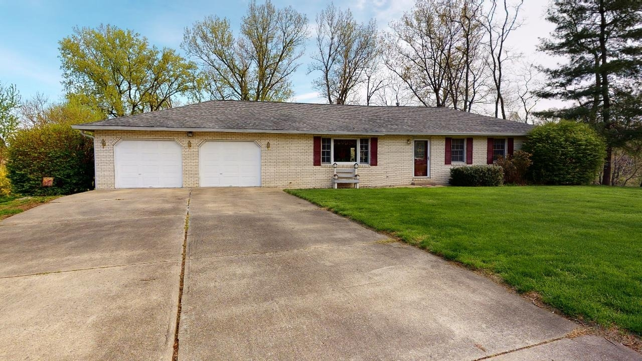 12 Blossom Lake Lane Maryville IL 62062