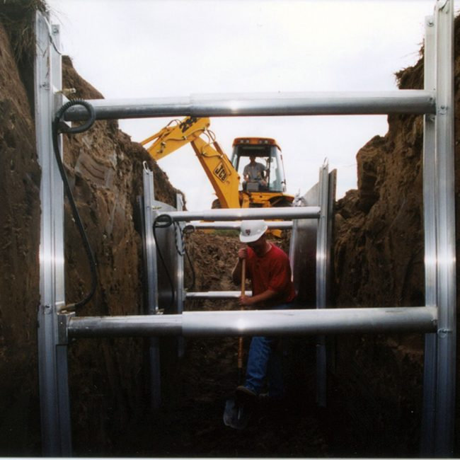 Aluminum Shoring Systems : Aluminum hydraulic shoring and trench boxes pro tec