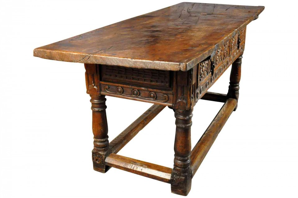 Outstanding 17th Century Spanish Reflectoire Console Table