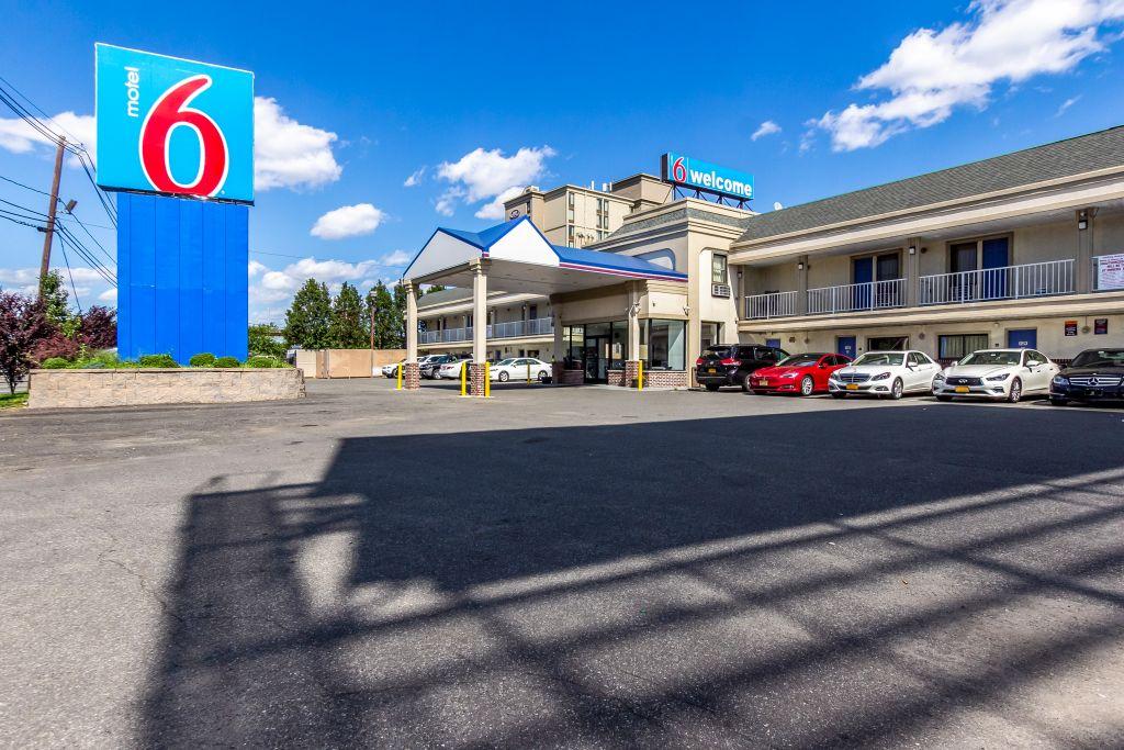 Motel 6 Elizabeth - Newark Liberty Intl Airport