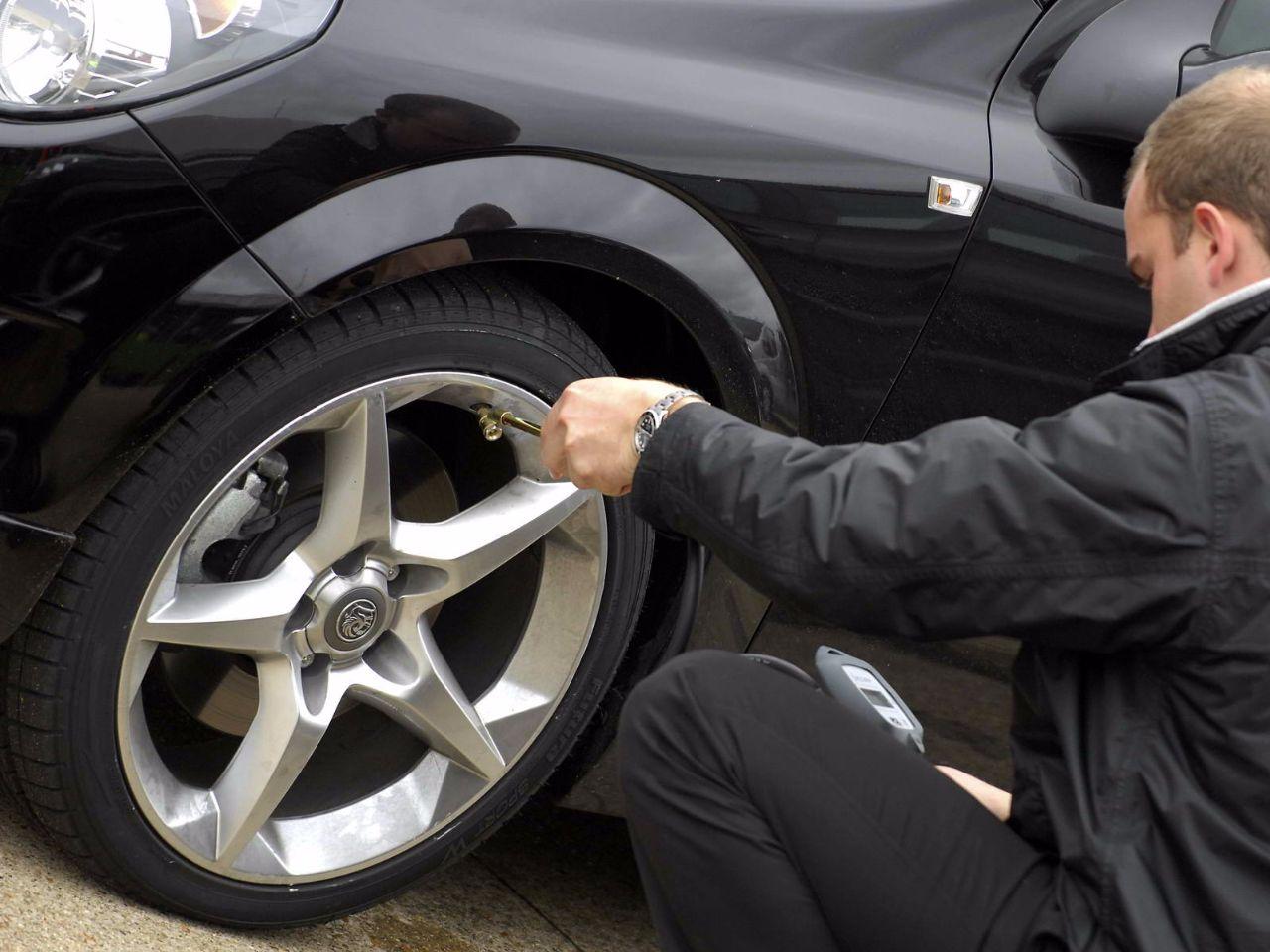 Inspección superficial antes de comprar un auto de segunda mano-1