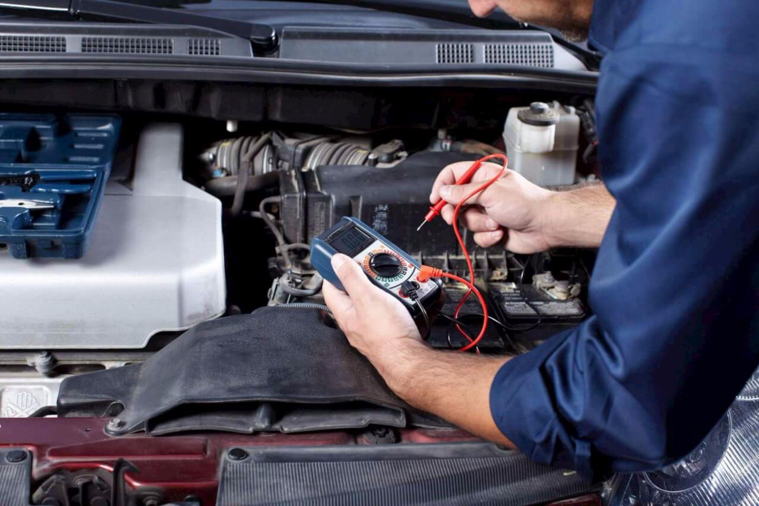 Revisión mecánica para comprar un auto de segunda mano PE