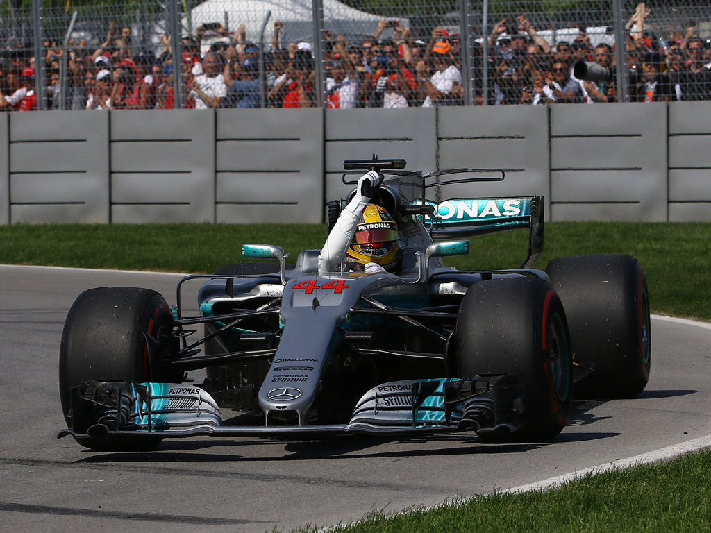 Hamilton llegó a 56 victorias en la Fórmula 1.|La dupla de Force India se ha combinado para tener 71 puntos en el Campeonato de Constructores.|Volviendo a robar cámara