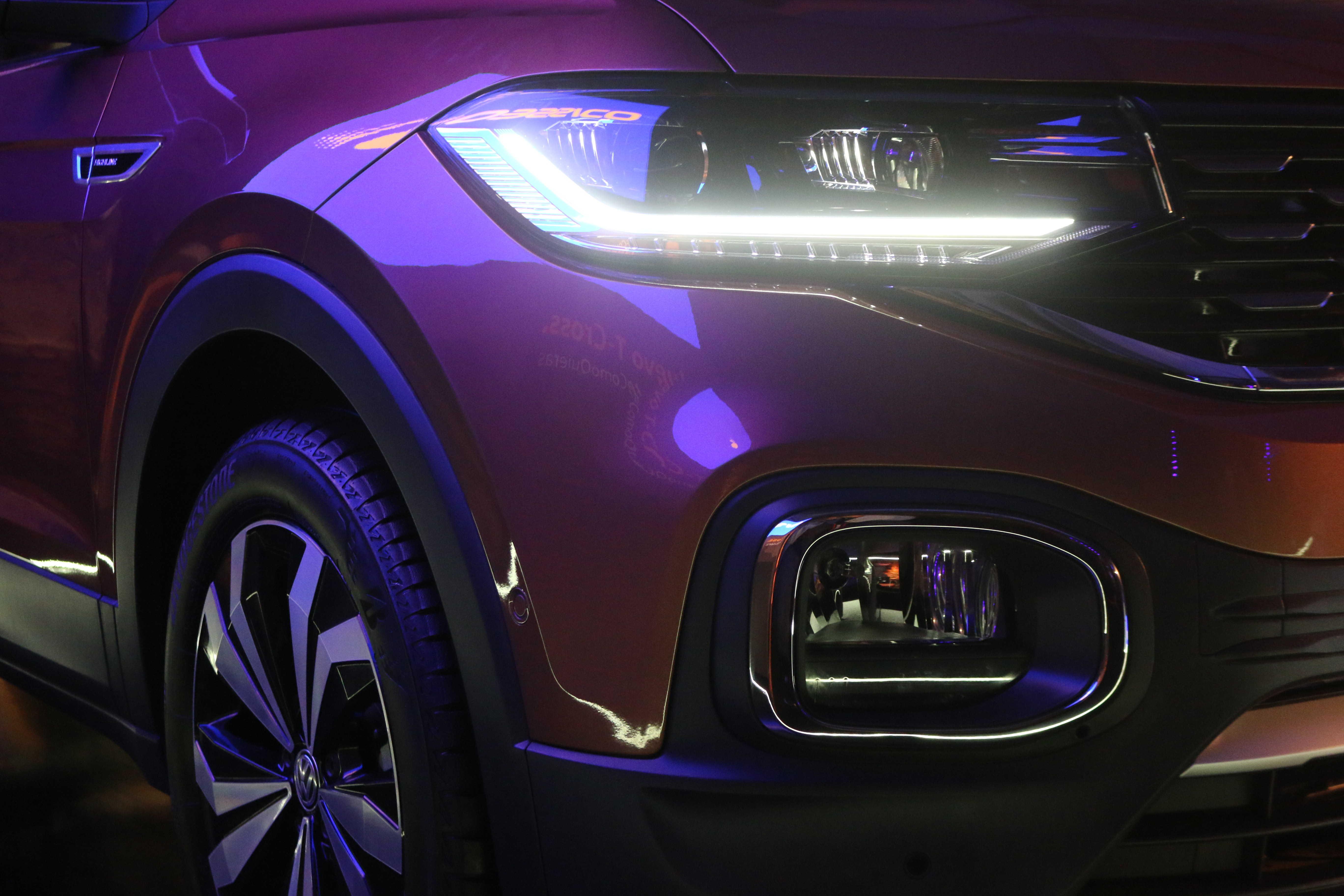 volkswagen t cross precio y versiones en mexico con faros que integran tecnología led para una mayor vision