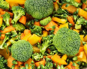 Sauteed Broccoli with Peanut Sauce