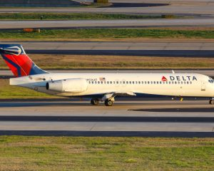 stuff-senior-flight-discounts-delta-air-lines