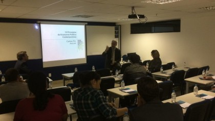 """Ibmec/DF promoveu palestra sobre """"Como a economia e a política se conectam"""""""