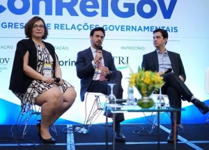 Professor do Ibmec debate KPIs no Congresso de Relações Governamentais - ConRelGov