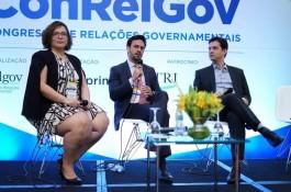 Professor do Ibmec debate KPIs no Congresso de Relações Governamentais - ConRelGov