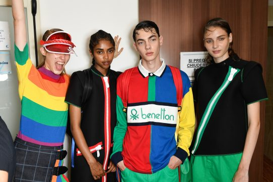UNITED COLORS OF BENETTON: LET'S SURF THE COLORWAVE