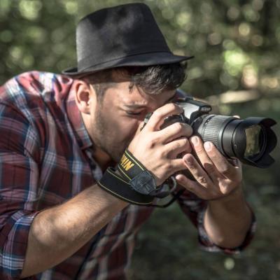 Providing Elihai photography and graphic design Profile Image