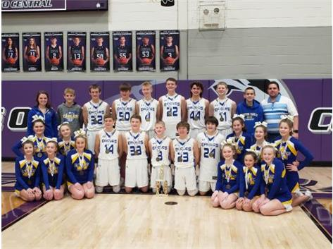 Congrats to the 2019-2020 Aviston Eagles on winning the Clinton County Conference and the Conference Tournament. The Aviston Cheerleaders also placed 3rd in the tournament. Way to represent!