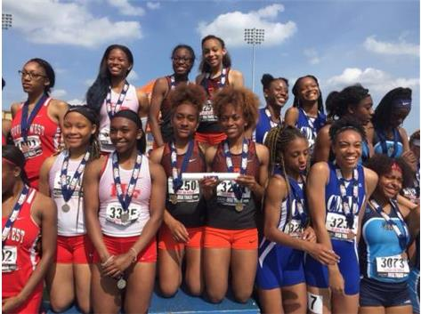 State Champions 4x200m relay