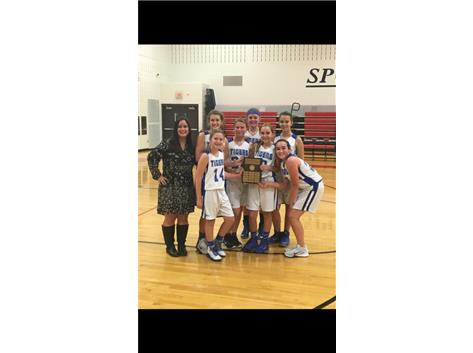 The 8th grade girls won the conference championship over Saratoga 30-21.