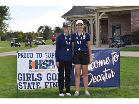 All-State athletes Maria and Effie Perakis at the 2019 State Tournament. Maria finished in 2nd place and Effie took 10th.