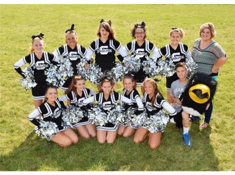Middle School Cheerleaders