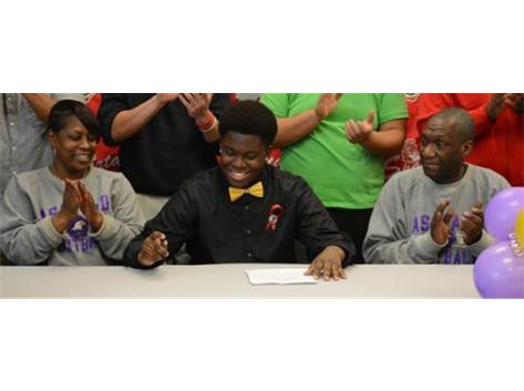 Spartan offensive lineman Khiry Smith-Williams signs to play football at Ashland University next year.