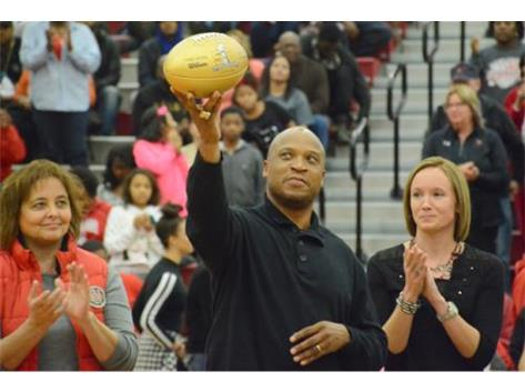 Lima Senior received a NFL Golden Football in honor of William White, who played in a Super Bowl XXXIII.