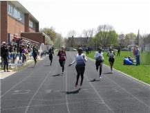 Cats Take 3 of top 4 places in the 200m.  Jada Williams (lane 3) Kayla Armstrong (lane 2) Kayla Horna (lane 1)