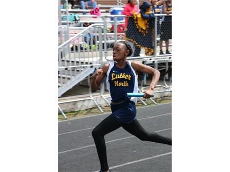 Kayla Armstrong - anchor leg 400m relay