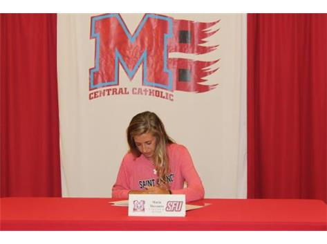 Congratulations to Maria Mercurio who has committed to attend St. Francis University - Golf.