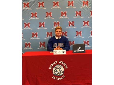 Congratulations to Thor Paglialong who signed his letter of intent to play football at the United States Air Force Academy.