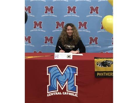 Congratulations to Dominique Thomas who signed her Letter of Intent to run track at the University of Wisconsin-Milwaukee.