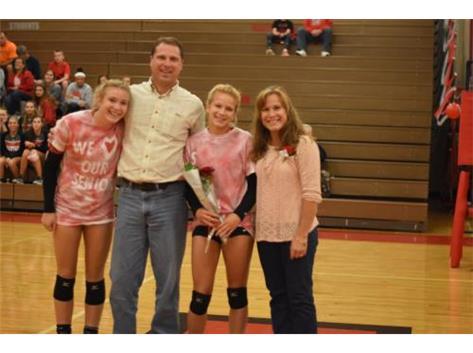 Senior Kaylee Lichtenstein and family.