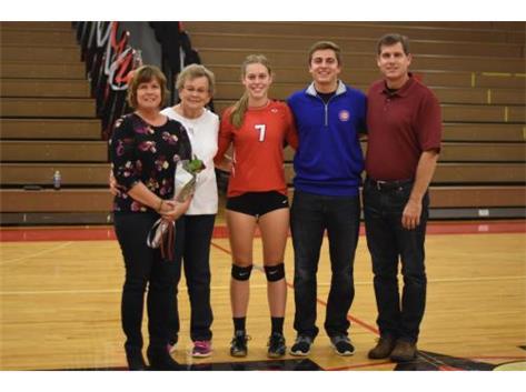 Senior Jena Liddle and family.
